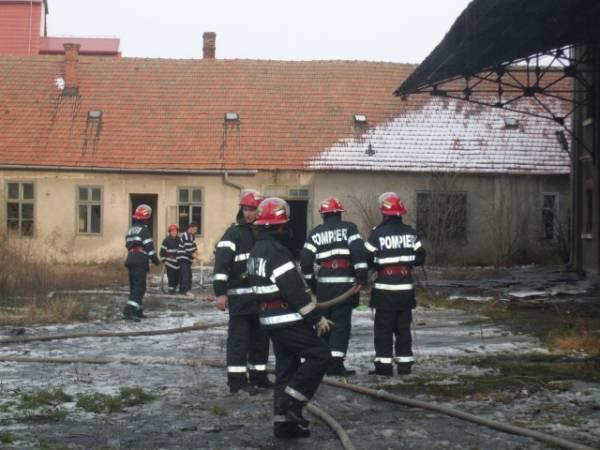 Careienii au stabilit: Ministerul Administraţiei şi Internelor poartă vina dotărilor precare ale pompierilor