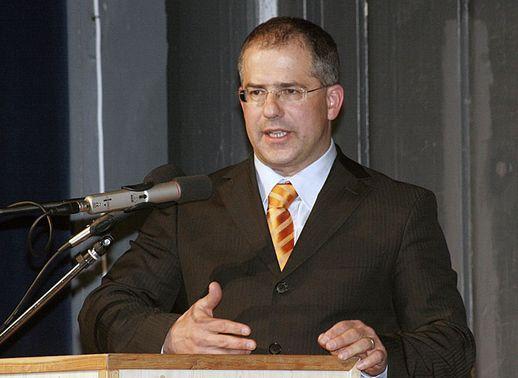 Forintul s-a prăbuşit în urma declaraţiilor alarmiste ale preşedintelui Fidesz