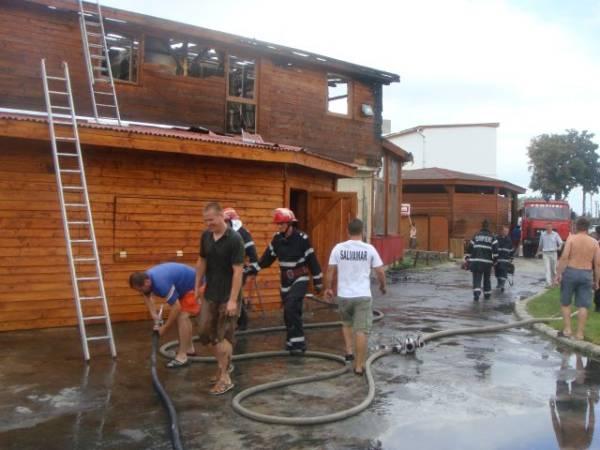 Incendiu de proporţii în Ştrandul Termal + Imagini