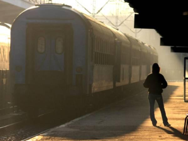 CEFERIȘTII ȘI-AU PIERDUT RĂBDAREA! Posibilă paralizare a transportului feroviar