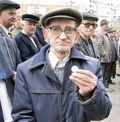 Pensiile rămân tăiate şi în 2011, potrivit unui document semnat de Sebastian Vlădescu