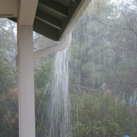 Apa de ploaie, sănătoasă pentru băut şi gătit