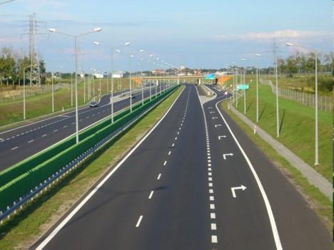 Dacia: Este o nebunie să faci autostradă pe Valea Prahovei şi nu pe Valea Oltului