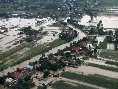 Victimele inundaţiilor din România vor primi bani din Fondul de Solidaritate