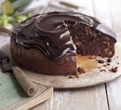Un dulce de sezon: Tort cu ciocolată şi dovlecei
