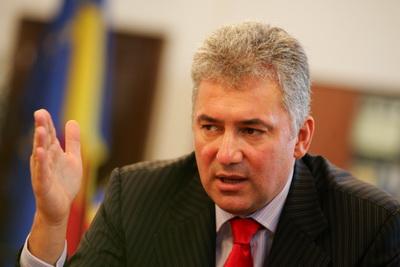 Mii de români sunt în pericol să rămână fără un loc de muncă