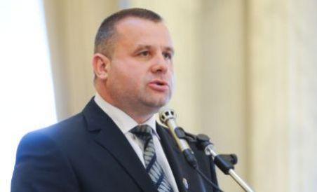 Ministrul Ioan Botiş a demisionat.Boc a acceptat demisia