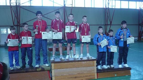 Băieţii de la TAPO Carei câştigă  Cupa 25 Octombrie la Tenis de masă
