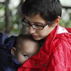 PDL: Concediul maternal redus la jumătate, după care mamele întoarse la muncă vor primi încă un an 500 lei la salariu