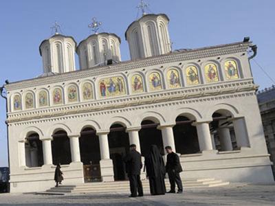 Guvernul transferă gratuit 25 imobile, incluzând terenuri de peste 533.000 mp, în proprietatea Bisericii Ortodoxe