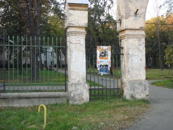 Publicitatea stradală va fi interzisă în parcuri, pe clădirile publice şi pe copaci.