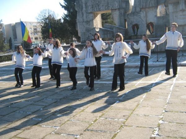24 Ianuarie, Ziua Micii Uniri, zi liberă. Spectacol de dansuri şi cântece populare la Oradea