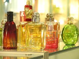 Istoria civilizaţiei se împleteşte cu cea a parfumului