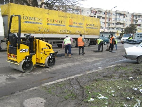 De ce asfaltatorii noştri sunt mai bogaţi decât ai lor