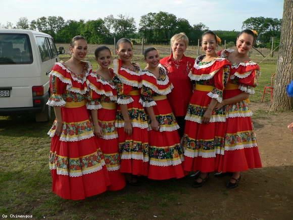CAREI  gazda singurei reprezentaţii din România a ansamblului brazilian OS CHIMANGOS