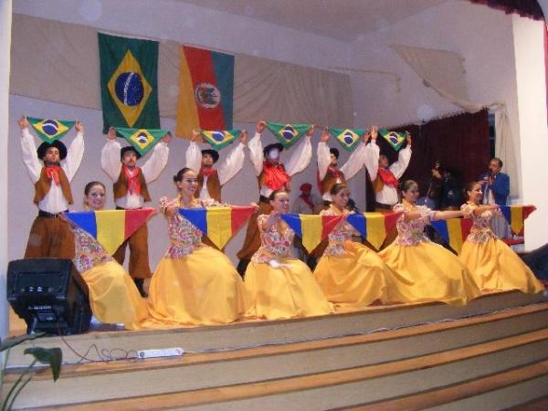 Folclor brazilian apreciat de careieni
