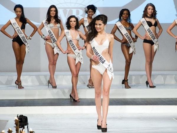 """O româncă e câştigătoarea """"Top Model of The World"""""""