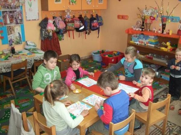 Guvernul vrea învățământ obligatoriu de la 3 ani