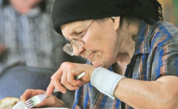 Din 50 de ajutoare sociale mai rămân doar patru