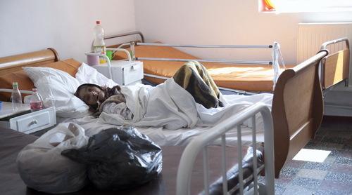 Cum au supravieţuit 12 bolnavi, ABANDONAŢI ÎNTR-UN SPITAL DESFIINŢAT