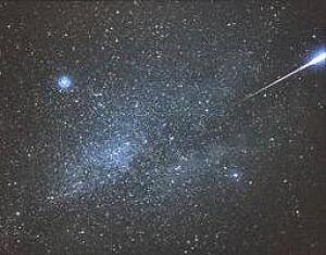 La noapte plouă cu meteoriţi