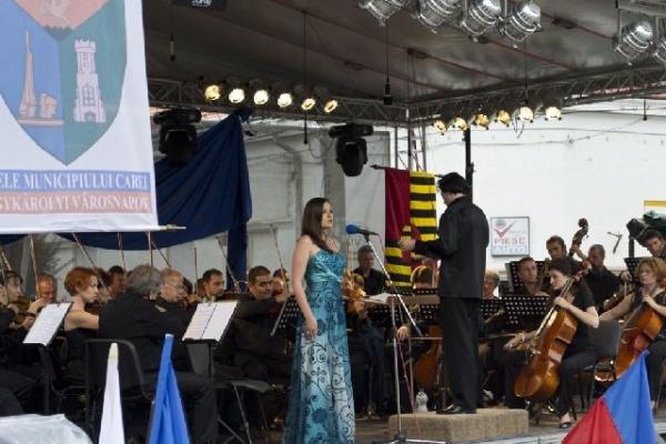 Luiza Fatyol în premieră pe scena careieană
