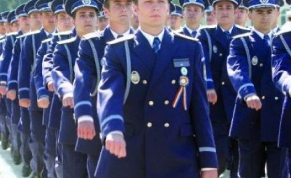 Absolvenţii şcolilor de poliţie, şomeri pe perioadă nedeterminată