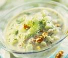 Supă rece cu iaurt şi castraveţi
