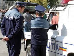 2.000 de polițiști vor fi dați astăzi afară
