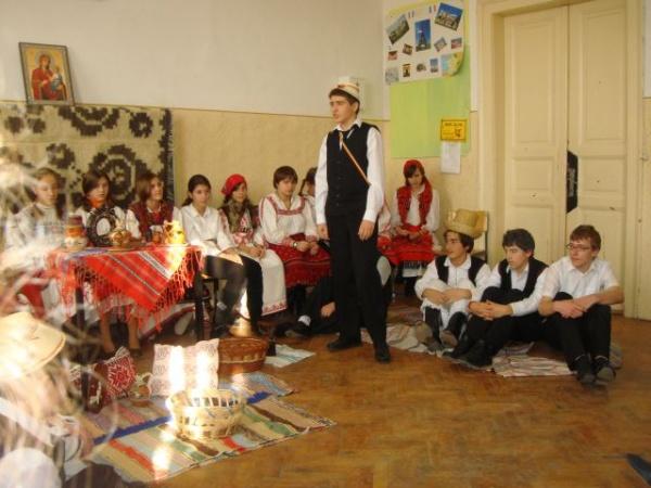 Concurs de poezie,eseuri şi desene dedicat Zilei Naţionale