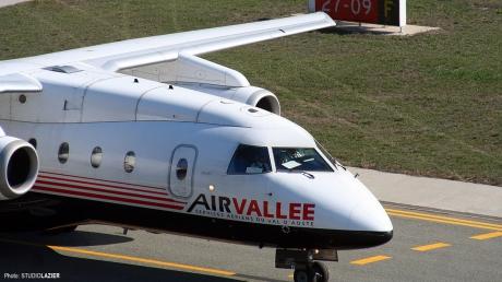 O nouă companie aeriană low cost intră în România