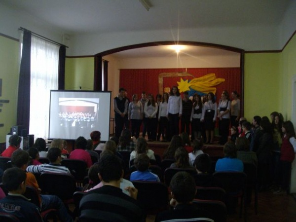 Dor de Eminescu…la Şcoala Vasile Lucaciu