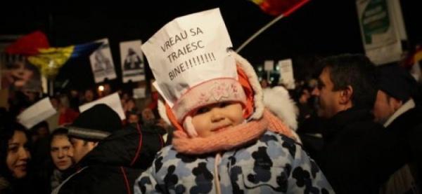A şasea zi de proteste în ţară: Mii de persoane cer demisia Guvernului; USL şi-a organizat propriile mitinguri