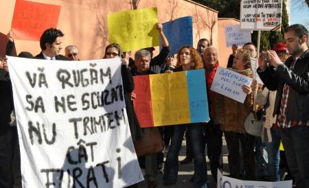 Diaspora cere demisia preşedintelui Casei Naţionale de Asigurări de Sănătate: Ne jigneşte