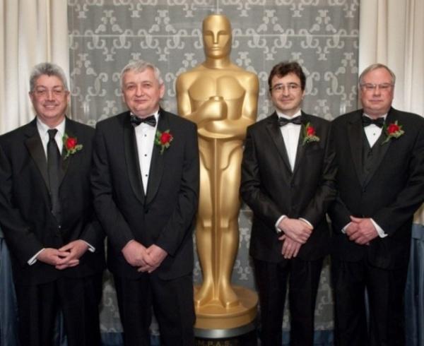 PREMIILE OSCAR 2012. CEI DOI ROMÂNI care au PRIMIT premiul Academiei de Film