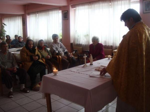 Slujbă religioasă la Căminul de Bătrâni