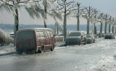 România va deveni un adevărat patinoar! Ploaia îngheţată va cuprinde jumătate din ţară