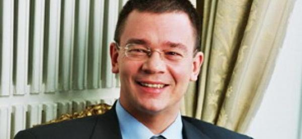 Mihai Răzvan Ungureanu, discretul şef al SIE, nominalizat la conducerea Guvernului
