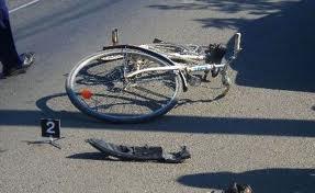 Biciclistă accidentată
