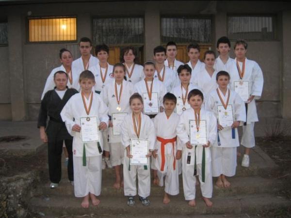 18 medalii pentru KARATE DO B.F.K.S. Carei