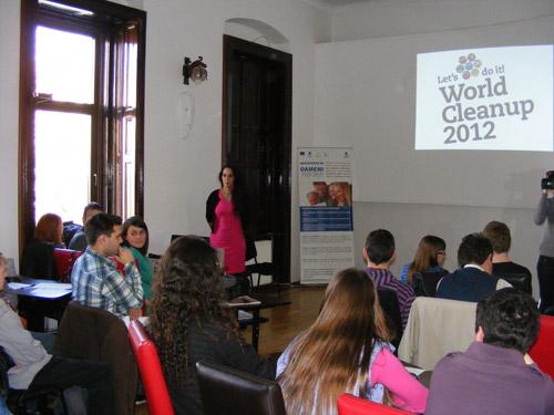 Pregătiri pentru Let`s Do It 2012 la Satu Mare