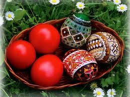 Vopsitul ouălor de Paşti – modele şi tradiţii româneşti