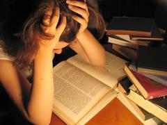 Vin examenele,psihologii avertizează: Nu există situaţii fără ieşire!