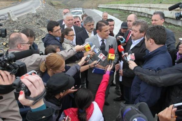 Ministrul Silaghi verifică lucrările la centura de ocolire Vâlcele-Apahida