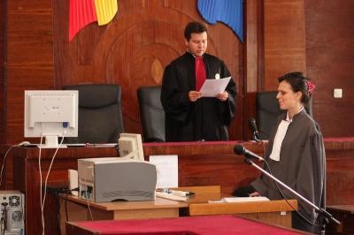 """Inchisoare pentru inculpaţii din dosarul """"Mită 3% pentru PD-L"""""""