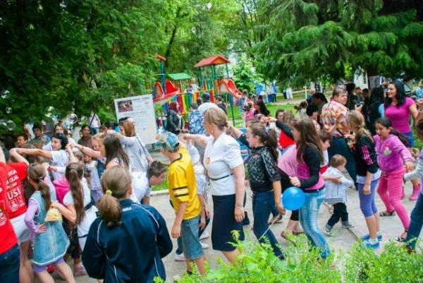 """USL – """"1 Iunie de poveste"""" pentru peste 1.000 de copii"""
