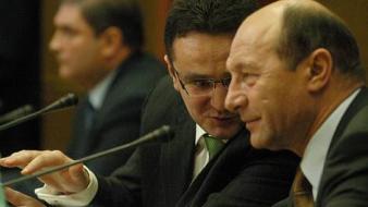 Serviciile secrete vorbesc cu voie de la Băsescu