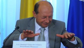 Traian Băsescu bătut măr şi în diaspora