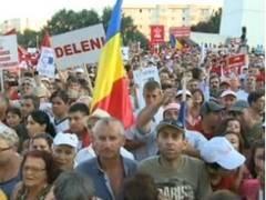 """Miting impotriva lui Băsescu, in Cluj Napoca: """"Clujenii votează Jos Băsescu"""""""