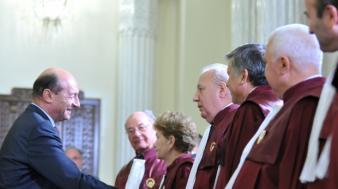 Băsescu şi CCR au salvat PDL nu de la dezastru, ci de la desfiinţare